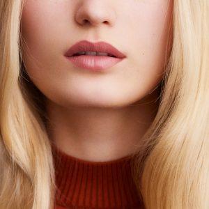 rouge-hermes-matte-lipstick-beige-naturel-60001MV011-worn-8-0-0-1700-1700-q99_b.jpg