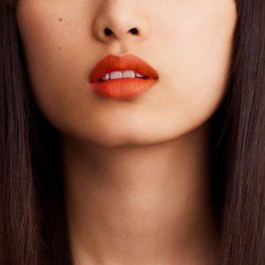 rouge-hermes-matte-lipstick-orange-boite-60001MV033-worn-6-0-0-1700-1700-q99_b.jpg