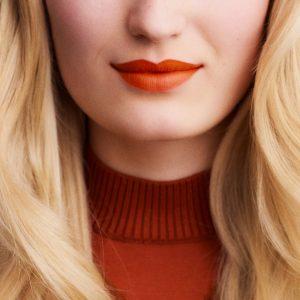 rouge-hermes-matte-lipstick-orange-boite-60001MV033-worn-8-0-0-1700-1700-q99_b.jpg