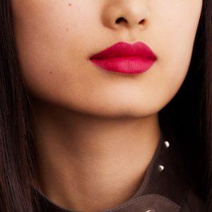 rouge-hermes-matte-lipstick-rose-indien-60001MV070-worn-10-0-0-1700-1700-q99_b.jpg