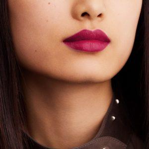 rouge-hermes-matte-lipstick-rose-velours-60001MV078-worn-6-0-0-1700-1700-q99_b.jpg
