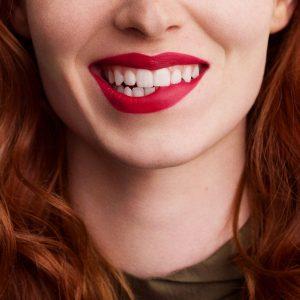 rouge-hermes-matte-lipstick-rouge-bleu-60001MV068-worn-9-0-0-1700-1700-q99_b.jpg