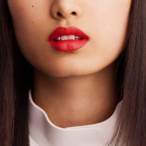 rouge-hermes-matte-lipstick-rouge-exotique-60001MV046-worn-10-0-0-1700-1700-q99_b.jpg