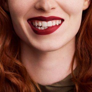 rouge-hermes-matte-lipstick-rouge-h-60001MV085-worn-9-0-0-1700-1700-q99_b.jpg