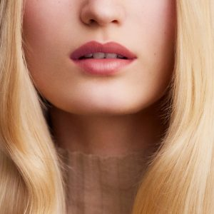 rouge-hermes-satin-lipstick-beige-kalahari-60001SV013-worn-5-0-0-1100-1100_b-Copy.jpg