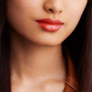 rouge-hermes-satin-lipstick-corail-flamingo-60001SV036-worn-8-0-0-1700-1700-q99_b.jpg