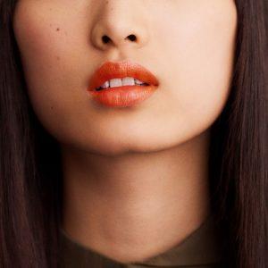 rouge-hermes-satin-lipstick-orange-boite-60001SV033-worn-6-0-0-1700-1700-q99_b.jpg