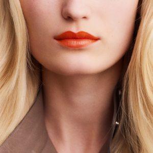 rouge-hermes-satin-lipstick-orange-boite-60001SV033-worn-7-0-0-1700-1700-q99_b.jpg