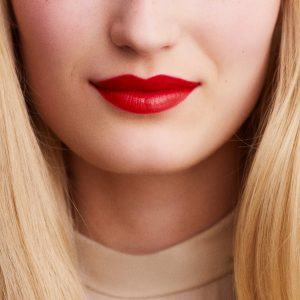 rouge-hermes-satin-lipstick-rouge-casaque-60001SV064-worn-8-0-0-1700-1700-q99_b-1.jpg